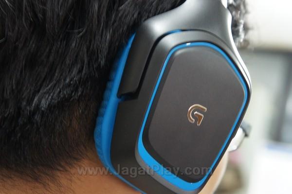 Walaupun menggunakan bahan busa, Logitech G430 mampu memerangkap suara dengan cukup baik.