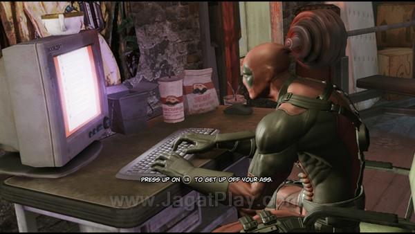 Menabrak dinding keempat sejak awal permainan, Deadpool juga sering melontarkan humor dan parodi yang mungkin tidak asing lagi bagi para gamer.