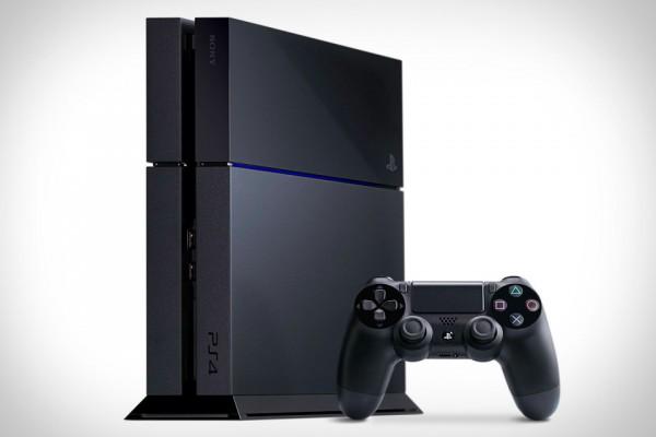Popularitas Playstation 4 kian kuat. Hal ini tercermin dari jumlah pre-order yang bahkan mampu memaksa GameStop untuk menutup sementara jalur ini.