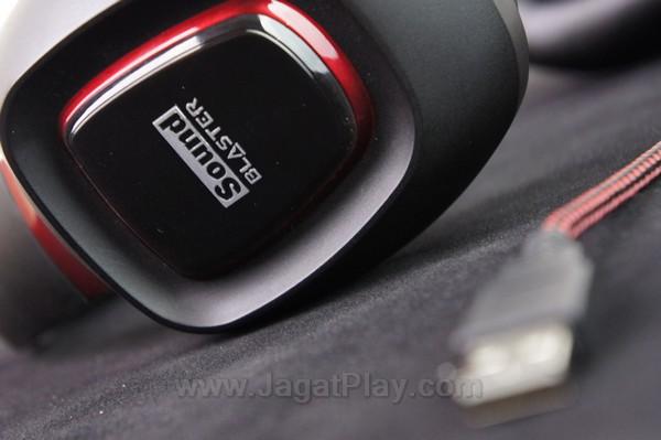 Untuk pengalaman optimal dengan ekstra driver, USB menjadi pilihan paling tepat.