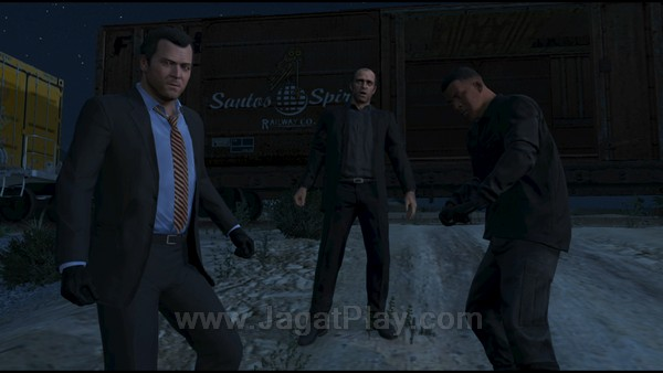 Tim yang solid - Michael, Franklin, dan Trevor muncul sebagai kekuatan kriminal baru yang disegani, dan tentu saja mengundang begitu banyak ancaman.