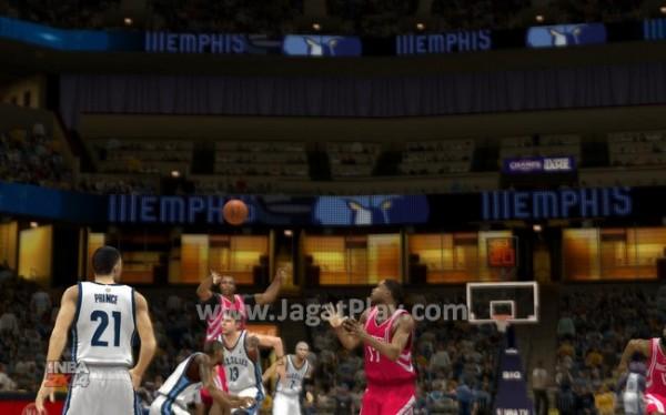 Siap melakukan Alley Oop!! Tidak seperti beberapa tahun lalu, alley oop di NBA 2K14 tidak lagi dapat dilakukan dengan mudah.