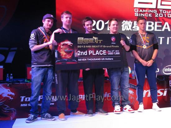 Juara 2: Fnatics