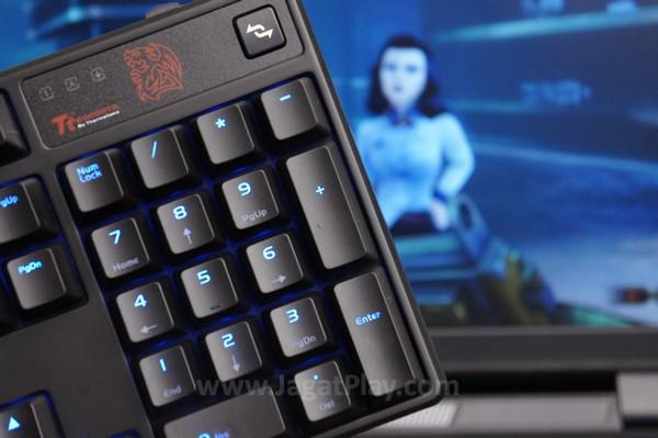 Tidak perlu diragukan lagi, game sekelas Bioshock Infinite: Burial at Sea dan DOTA 2 tidak menawarkan tantangan yang berarti untuk keyboard yang satu ini.