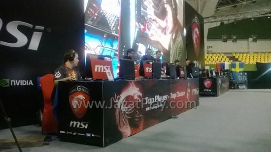 Pertandingan tim Fnatics dan Legends menjadi sajian pembuka hari ini.