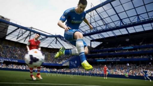 Developer PES menyebut FIFA 15 seperti game ping-pong. Ia terlalu berfokus pada gol, bahkan membuat setiap umpan lambung terobosan selalu berhasil di sana.