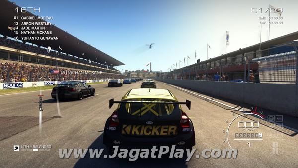 Membalap semua pembalap di depan Anda, tentunya itu kan tujuan utama dari sebuah game balap.