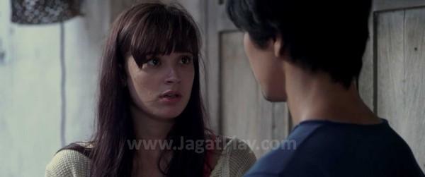 Kazuya juga membangun hubungan romantis dengan karakter wanita bernama Laura.