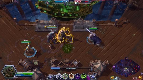 Mengumpulkan koin emas dan menyerahkannya pada Blackheart di tengah map akan membuat kapalnya melemparkan meriam raksasa untuk menghancurkan bangunan milik musuh dengan damage masif.