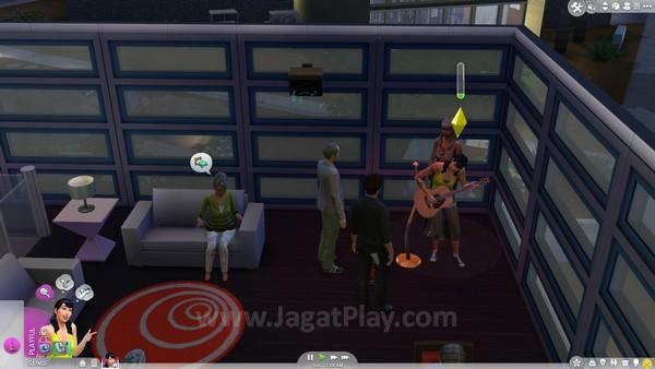 Curi perhatian Sims di sekitar Anda dengan mensabotase penampilan Sims lain!