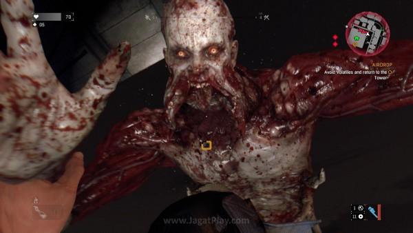 Varian zombie paling berbahaya - Volatiles hanya keluar di malam hari. Misi utamanya? Mencabik dan menikmati tubuh Anda.
