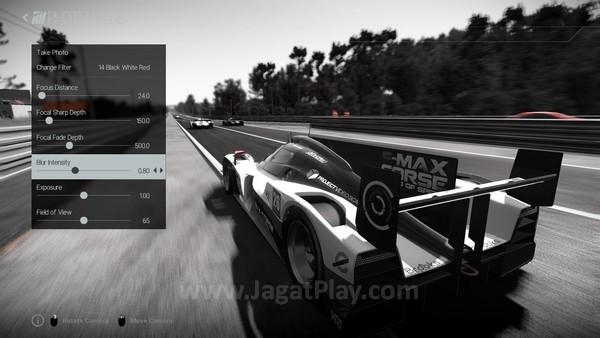 Mode foto berguna untuk menampilkan momen penting ketika balapan