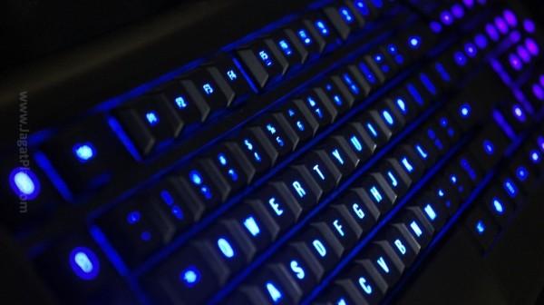 Berbeda dengan keyboard mekanikal lain, ia tidak berisik dan tidak tactile. Ia benar-benar terasa seperti keyboard membran, namun dengan ekstra kekuatan mekanikal dan tingkat responsif yang sama.