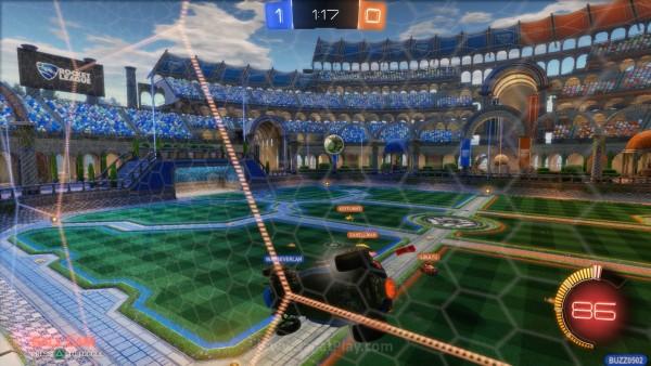 Anda bisa menempel di dinding arena untuk akses vertikal.