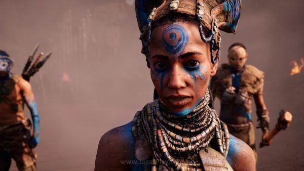 Sementara selatan dikuasai suku pemuja api - Izila yang dipimpin pendeta wanita - Batari.