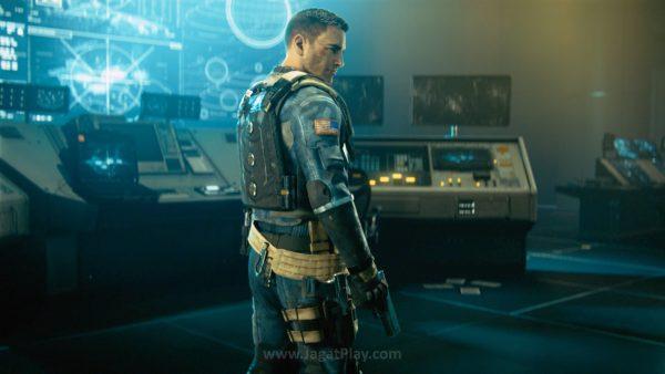 Menjadi kapten Retribution, Reyes berambisi untuk menghancurkan kekuatan SDF dan memberikan ruang bagi militer bumi untuk berbenah.