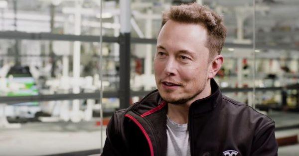 Dalam wawancara terbarunya, Elon Musk secara terbuka merekomendasikan Overwatch.