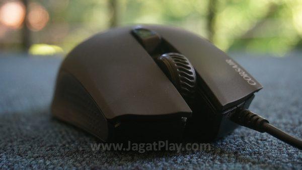 Dengan bentuk standar mouse selama ini, Anda akan cepat merasa familiar dengan Harpoon. Komposisi tombol juga diposisikan untuk diakses tanpa rasa canggung sama sekali.