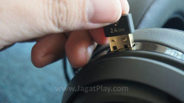 Adapter wireless tersimpan rapi.