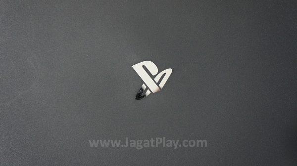 Sebuah mesin gaming 4K yang fantastis, adalah kalimat yang sepertinya tepat untuk menjelaskan apa yang ditawarkan oleh Playstation 4 PRO.