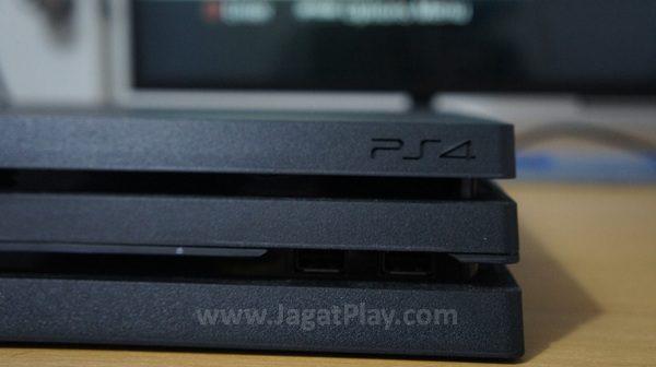 Playstation 4 PRO bisa disederhanakan sebagai sebuah varian Playstation 4 yang menawarkan ekstra performa dan fitur di dalamnya. Misi Sony dengan produk ini? Menciptakan mesin gaming 4K dengan harga menggoda.