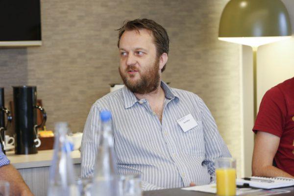Stuart whyte - mantan studio director Lionhead Studios kini resmi bergabung dengan dev. game VR Playstation - London Studio.