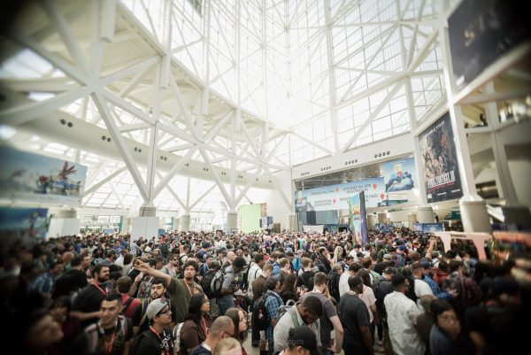 Antrian para pengunjung E3 2017