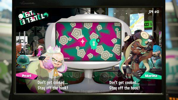 Perubahan gameplay dalam update atau rotasi peta permainan akan disampaikan oleh Pearl dan Marina ketika Anda membuka permainan.
