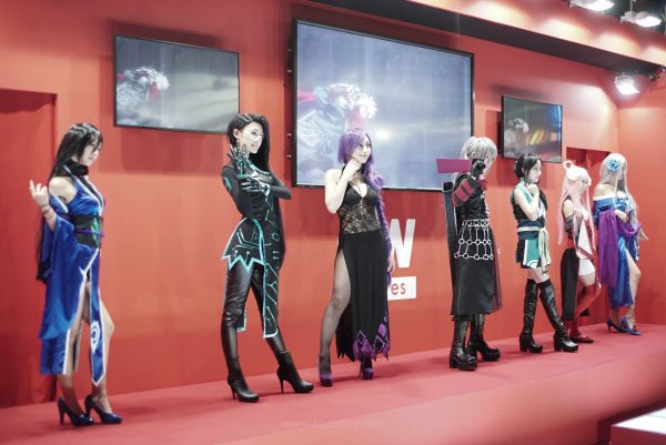 Booth babes jagatplay tgs 2017 (2)