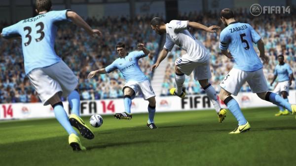 Genderang perang terbuka ditabuh oleh Konami. Mereka mengkonfirmasikan rilis PES 2014 di Amerika Serikat akan sama dengan FIFA 14 - 24 September 2013 mendatang.