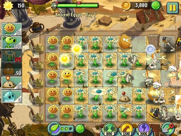 Plants Vs Zombies 2 hadir dengan sejumlah varian tanaman dan zombies baru. Memastikan para pemain