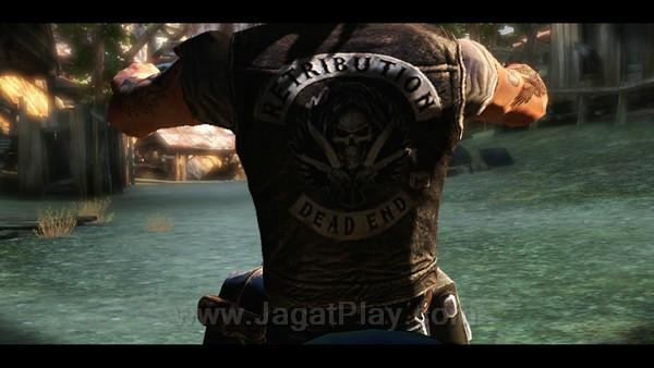 Jaket Retribution inilah yang menjadi simbol balas dendam Jake.