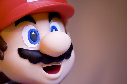 Jika PHK massal merupakan salah satu solusi yang seringkali ditempuh oleh publihser lain untuk menyehatkan kondisi finansial perusahaan, Nintendo justru menghindari opsi tersebut. Iwata yakin bahwa kebijakan seperti ini justru akan menghasilkan konsekuensi negatif jangka panjang.