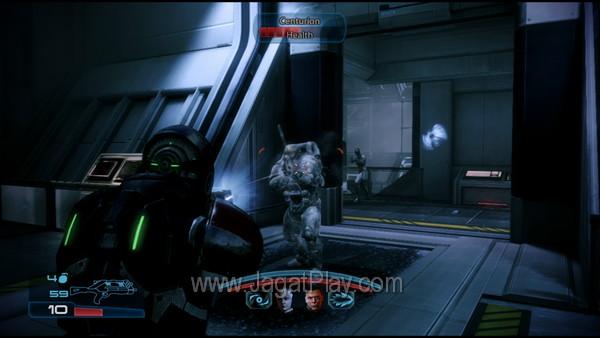 Alternatif pertama adalah menyuntikkan mekanik battle murni ala Mass Effect, setidaknya mengadaptasikan konsep AI yang lebih berguna.