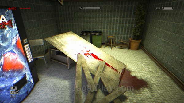 Namun apa yang ia temukan? Darah, mayat, dan kematian di mana-mana.