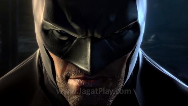 Sebagai seri prekuel, Anda akan berperan sebagai Batman muda yang baru memulai misi sucinya untuk membersihkan Gotham.