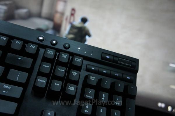 Corsair Vengeance K95 tampil maksimal di semua genre yang kami lontarkan.