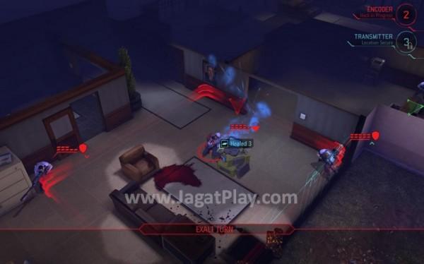 Ketika bertempur melawan EXALT, pemain akan menghadapi pasukan manusia, bukan alien, yang ternyata memiliki kemampuan tidak kalah dari pasukan XCOM.
