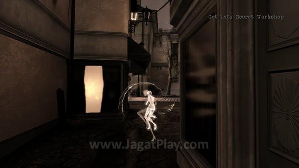 Dawn juga mampu melakukan gerakan dash untuk bergerak cepat.