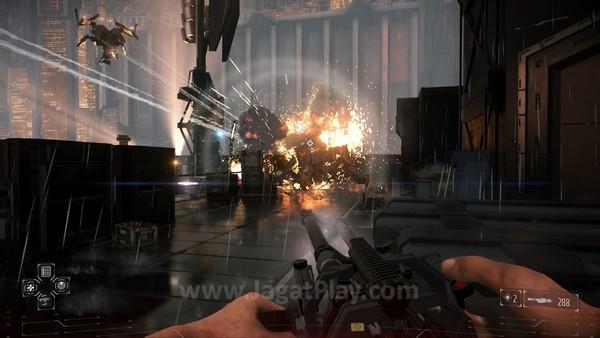 Beresiko monoton, Killzone: Shadow Fall terselematkan berkat desain level yang cukup menyegarkan.