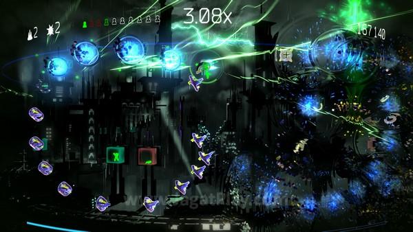 Terlepas dari potensi yang ada, RESOGUN hanya mengizinkan mode multiplayer secara online, tanpa dukungan local dengan menggunakan DualShock 4 kedua.