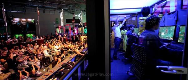 Free to Play mengikuti sepak terjang para gamer professional DOTA 2 di ajang The International pertama. Event e-Sports pertama dengan hadiah di atas USD 1 juta.