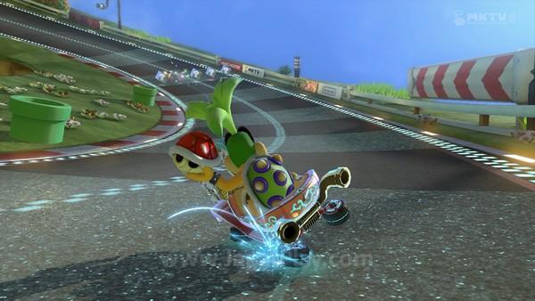 Dari mekanik dasar, Mario Kart 8 sebenarnya tidak banyak berbeda dengan seri sebelumnya, tentu saja dengan lebih banyak konten baru.