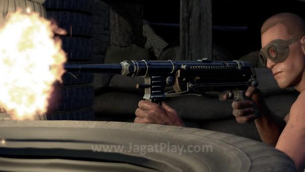 Kepuasan melihat peluru yang Anda lontarkan dalam gerak lambat masih mewarnai Sniper Elite 3 ini.