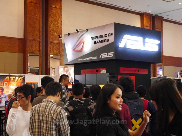 Booth ASUS