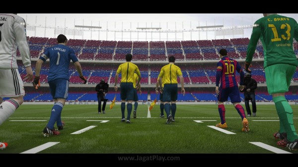 FIFA 15 Kick Off 0-2 BAR V REA, 2nd Half