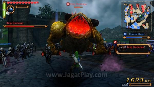 Apalagi ketika Anda bertempur dengan monster raksasa seperti ini.