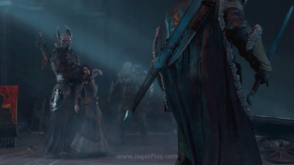 Diserang oleh tiga komandan tinggi Sauron, Talion harus melihat sang anak dan istri tercinta tewas di depan mata. Ia juga nyaris menjadi korban ritual untuk memanggil sang raja Elf - Celebrimor.