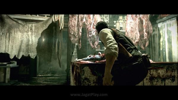 Tak sadarkan diri karena serangan Ruvik, Seb menemukan dirinya terdampar di rumah jagal yang berisikan potongan tubuh manusia.