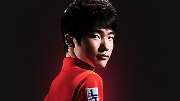 Seperti layaknya olahraga fisik komersial lainnya, talenta di eSports kian bernilai tinggi. Seorang gamer pro LoL - Faker bahkan dikabarkan ditawar sekitar 12 MIlyar Rupiah untuk bergabung ke tim asal China.